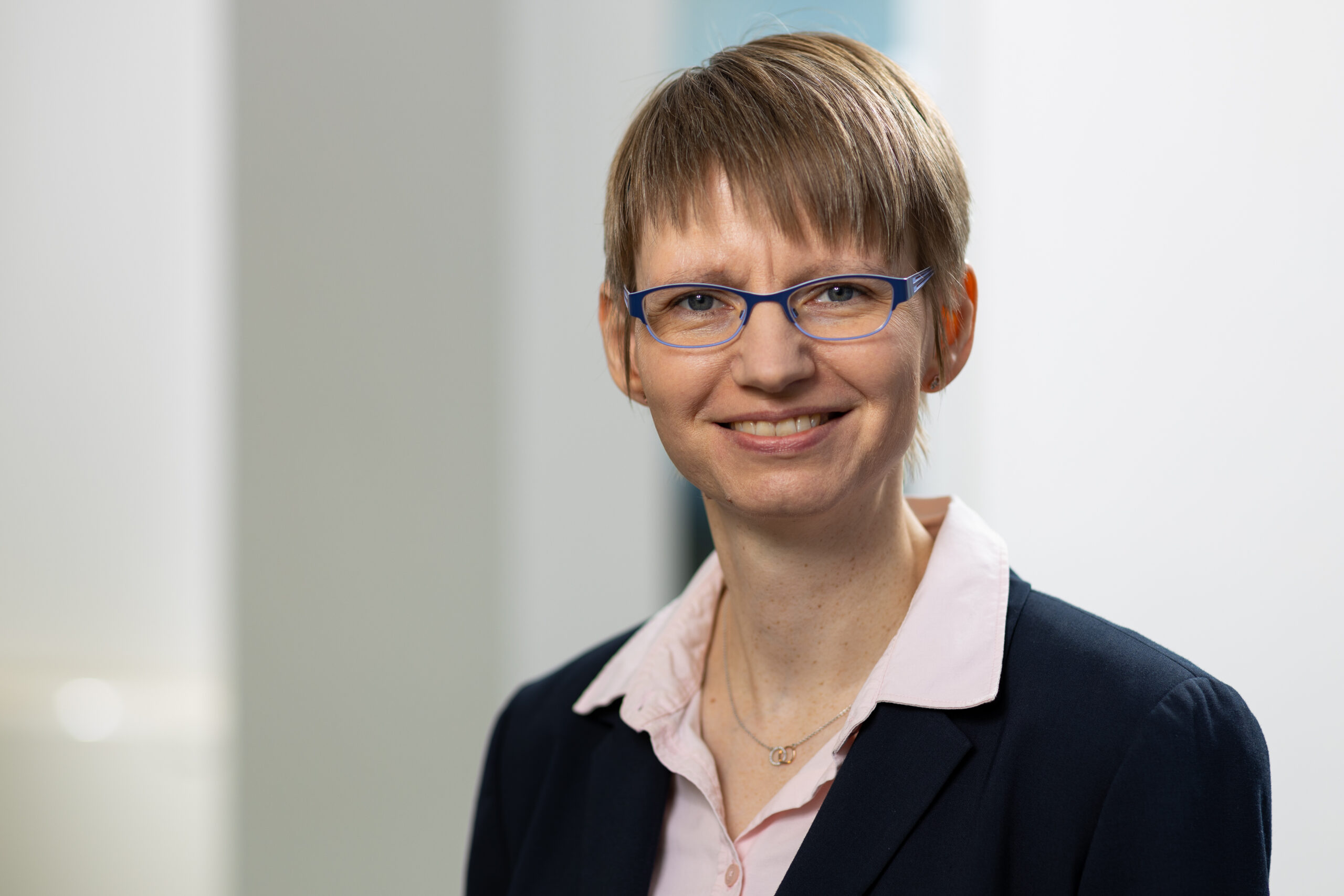 Dr. Nicole Plohnke